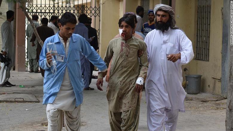 پاکستان: خودکش حملہ میں 128 افراد ہلاک، آئی ایس نے ذمہ داری قبول کی