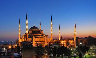 نیلی مسجد
