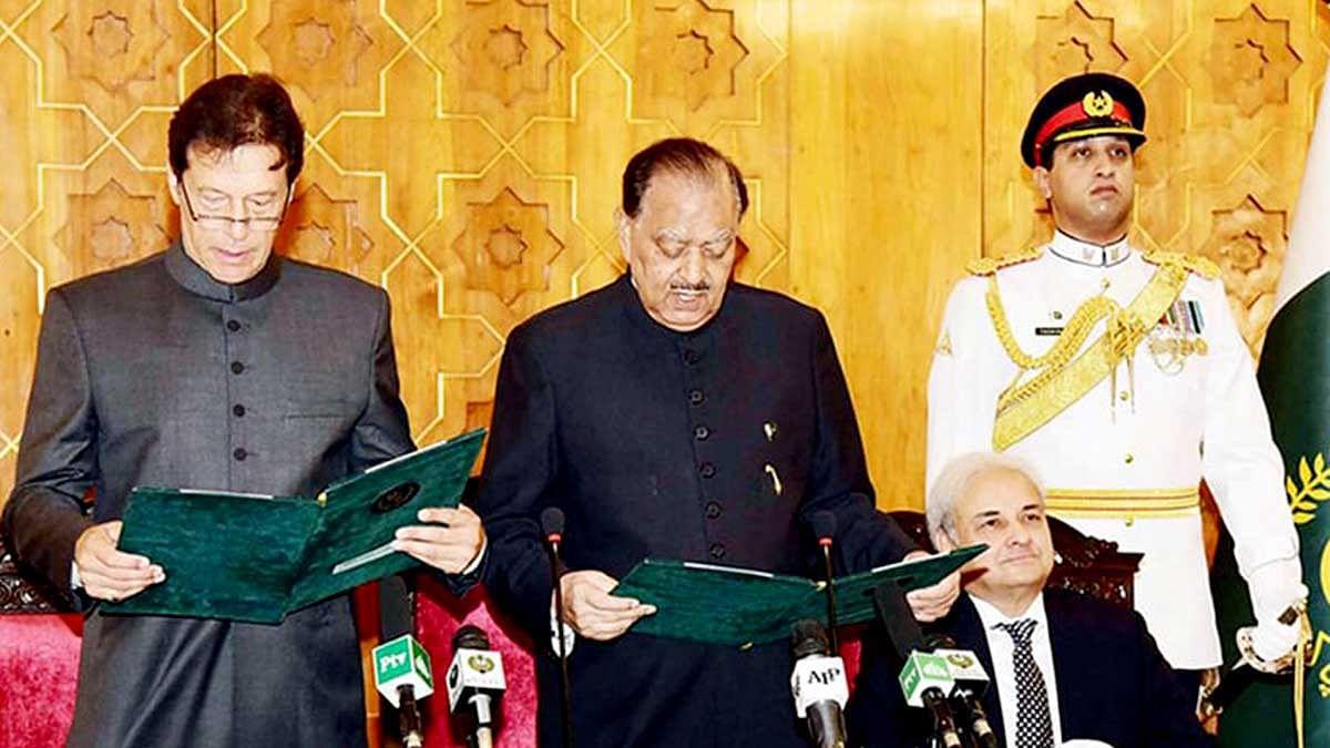 عمران خان نے پاکستان کے نئے وزیر اعظم کے طور پر حلف لیا