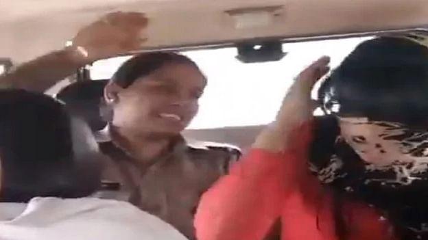 میرٹھ لو جہاد: ہندو لڑکی نے مسلم لڑکے سے کی محبت تو پولس نے کر دی پٹائی