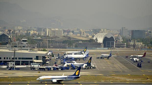 ممبئی ایئرپورٹ پر مرمت، مسافروں کو سخت دشواریوں کا سامنا