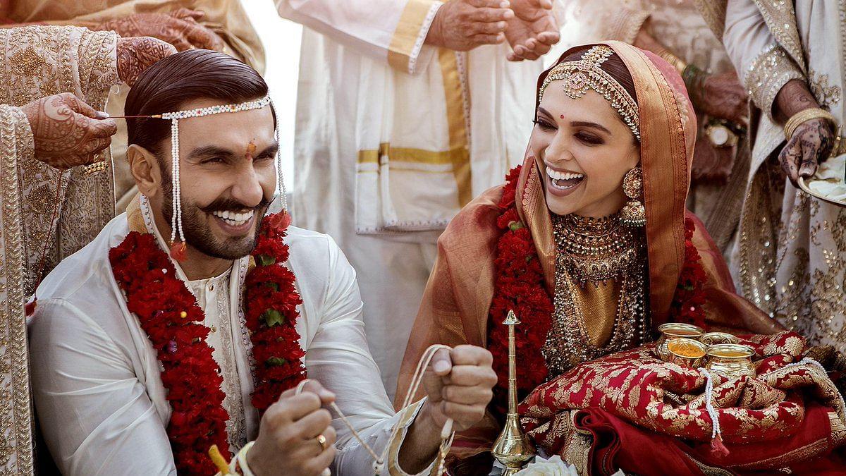 انتظار ختم، دیپیکا اور رنویر نے شیئر کی شادی کی تصاویر