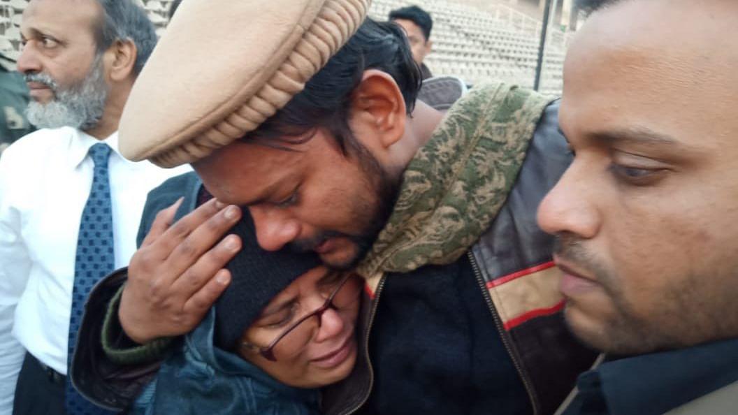 پاکستان میں قید نہال کی 6 سال بعد وطن واپسی، محبت کی خاطر پار کی تھی سرحد