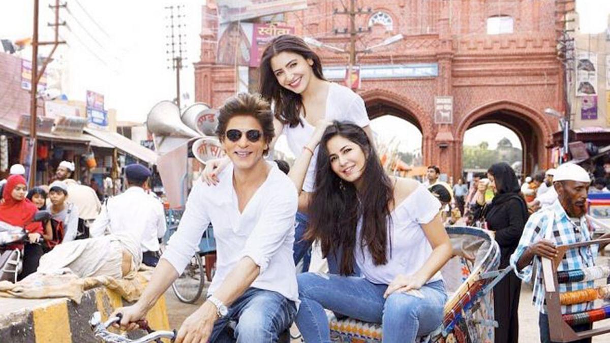 فلم 'زیرو' ریویو:  بونے کی شکل میں چھا گئے شاہ رخ خان