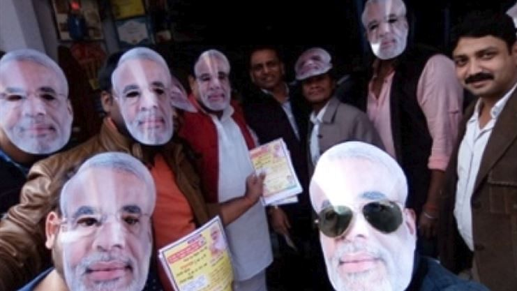 سال 2018 : بی جے پی نے 'ترقی' کا مکھوٹا اتار کر پھرپہنا 'ہندوتوا' کا چولہ