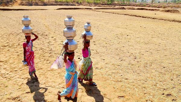 یوگی حکومت میں پانی کو ترسے لوگ، 50 نوجوان یوم جمہوریہ پر خود کو کریں گے نیلام