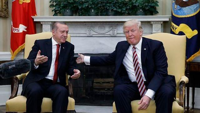 ٹرمپ نے ترکی کے خلاف اقتصادی اقدامات کرنے کا دیا انتباہ