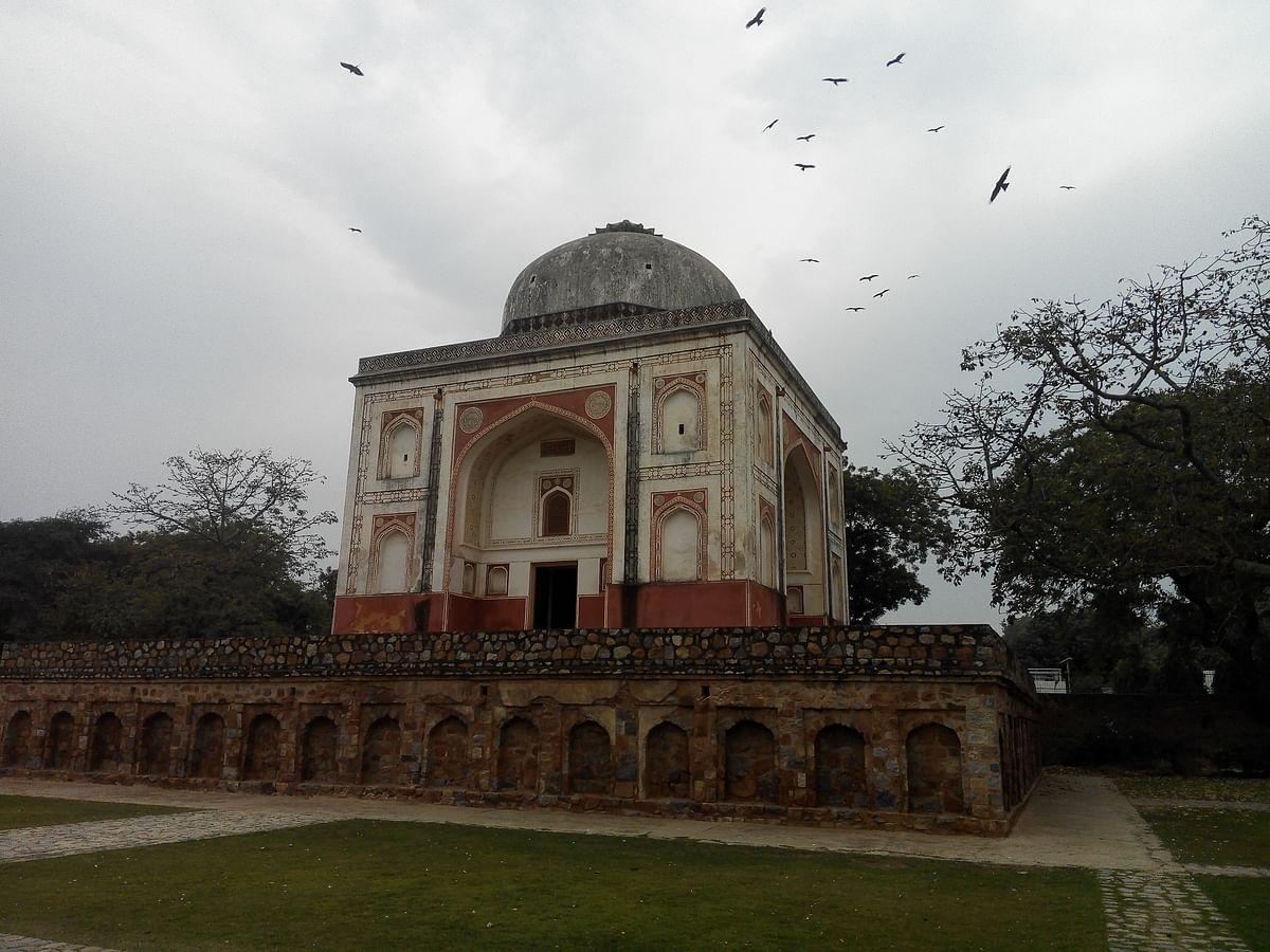 ہمایوں کے مقبرے سے متصل 'سندر نرسری'، سیاحوں کی توجہ کا مرکز
