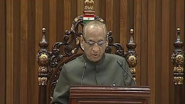 تقسیم کی مشکلات کے باوجود آندھرا نے ترقی کی: گورنر نرسمہن کا خطاب