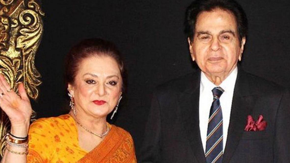 دلیپ کمار-سائرہ بانو نے بلڈر کو بھیجا 200 کروڑ ہرجانے کا نوٹس، مودی-فڑنویس سے نہیں ملی مدد