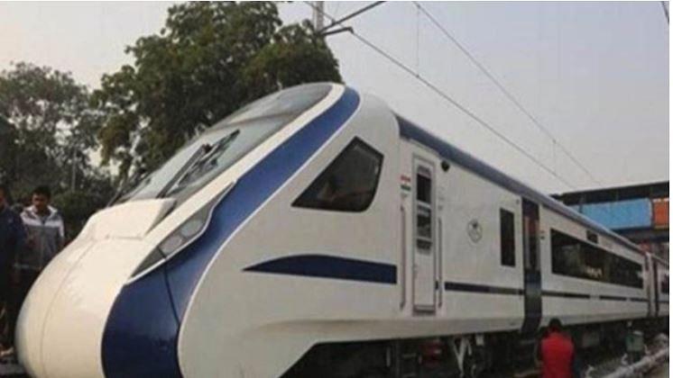 ویڈیو: ریلوے وزیر کا پکڑا گیا جھوٹ، ویڈیو میں دوگنی رفتار سے چلا دی ٹرین