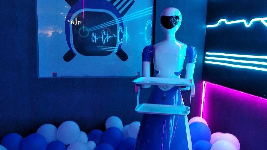چنئی میں کھلا اسپیشل ریسٹورینٹ جہاں 'روبوٹ' ہیں ویٹر
