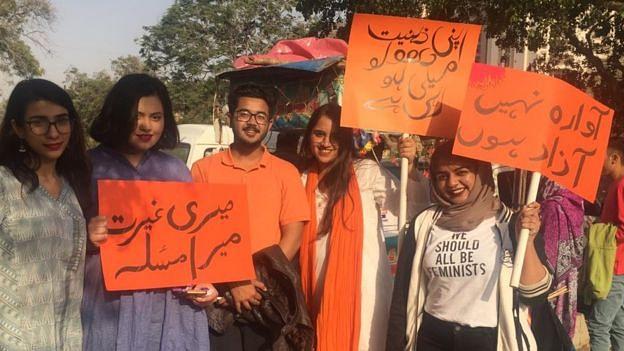 پاکستان: حقوق نسواں کے لئے 'عورت مارچ' نکالنا بنا مصیبت، قتل اور عصمت دری کی دھمکیاں