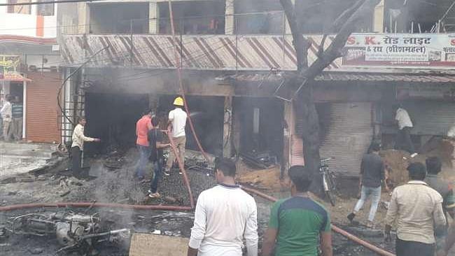 اعظم گڑھ: پٹاخہ فیکٹری میں آتشزدگی، 3 کی موت، 8 زخمی