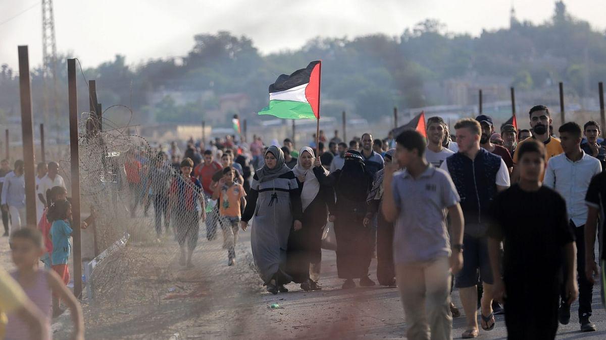 سینکڑوں فلسطینیوں نے اسرائیلی سرحد پر دوبارہ احتجاجی مظاہرہ شروع کیا