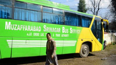 جموں و کشمیر: کاروان امن بس سروس ساتویں ہفتے بھی معطل، لوگ پریشان