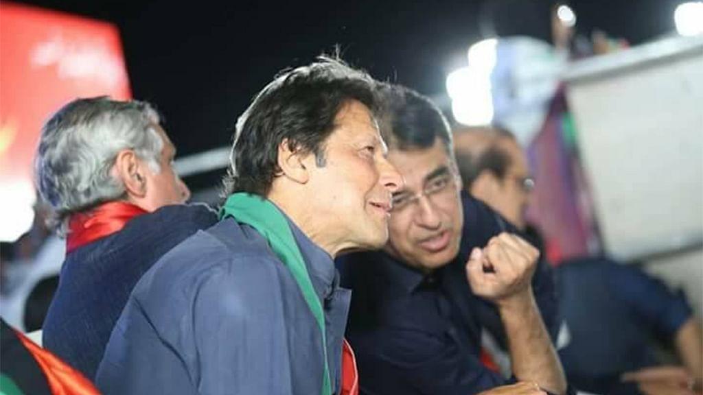 پاکستان: عمران خان کا اسد عمر کو دوبارہ وزیر بنانے کا ارادہ