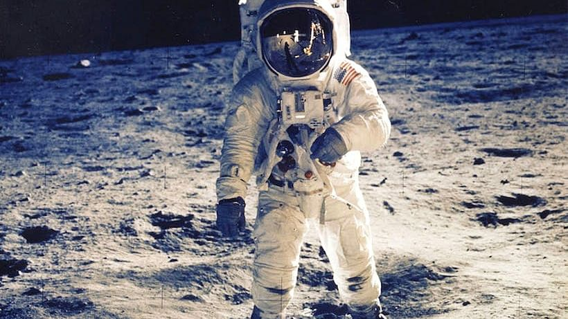 دنیا کی پہلی خاتون چاند پر کرے گی چہل قدمی، 'ناسا' کے مشن کی تیاری