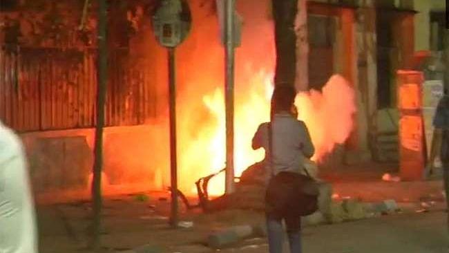 یو پی: لاک ڈاؤن میں بھی جرائم کا سلسلہ جاری، عاشق کو کیا گیا نذر آتش