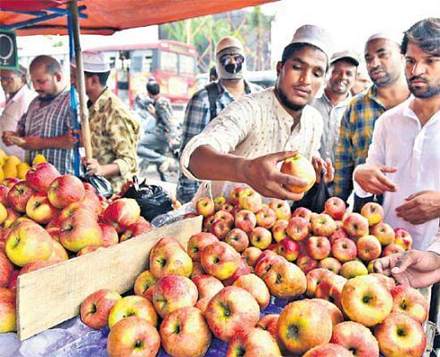 رمضان کے دوران قیمتوں میں بے تحاشہ اضافہ، غریبوں کی پہنچ سے دور ہوئے پھل