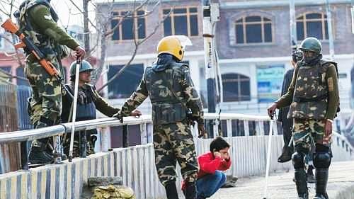 جموں و کشمیر: مسلح افواج کے ظلم کا شکار ہونے والوں میں 70 فیصد عام شہری... رپورٹ