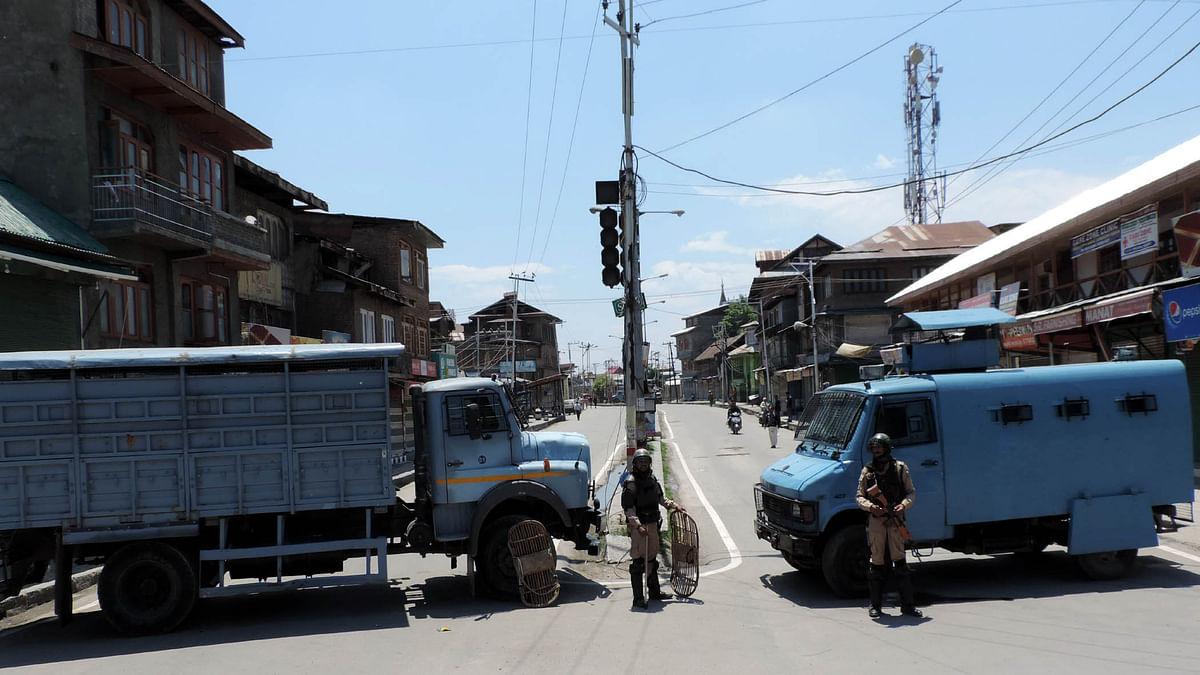 کشمیر: دو روزہ ہڑتال اور پابندیوں کے بعد بیشتر حصوں میں معمولات زندگی بحال