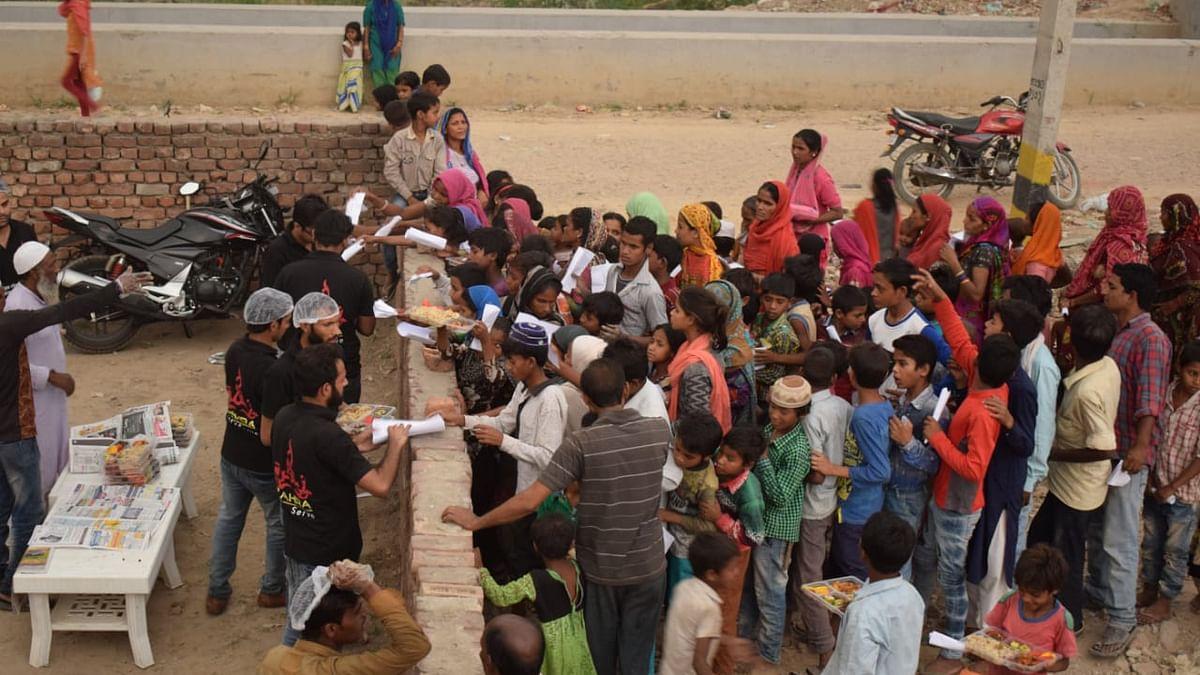 'زہرہ فاؤنڈیشن' کے اَفطار پیکٹ سے سینکڑوں غریب روزہ داروں کوروزانہ مل رہی راحت
