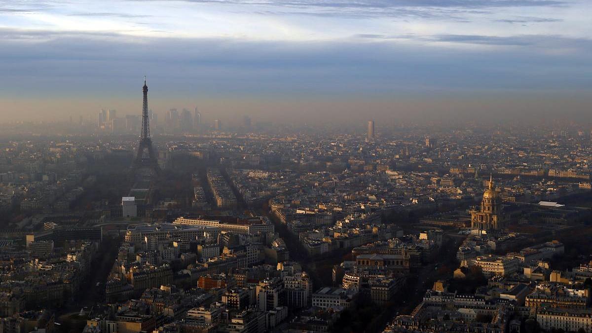 ماں بیٹی کی آلودگی سے طبيعت خراب، فرانس کے خلاف مقدمہ درج!