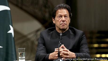 اہم خبر: عمران خان کا یو-ٹرن، کہا 'پاکستان پہلے نہیں کرے گا نیوکلیائی حملہ'