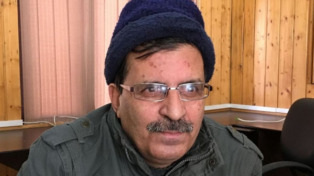 کشمیر: سینئر صحافی غلام جیلانی قادری گرفتاری کے بعد ضمانت پر رہا