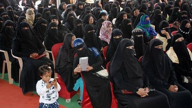 برق گرتی ہے محض بیچارے مسلمانوں پر... ظفر آغا