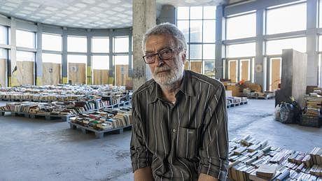 یونان، سیکنڈ ہینڈ کتابیں بے گھروں کا سہارا کیسے بنیں؟