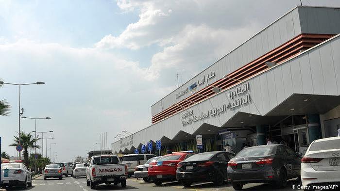 سعودی ایئرپورٹ پر حوثی باغیوں کا حملہ، طیارہ جل کر تباہ، وزیر خارجہ کی امریکی ہم منصب سے گفتگو
