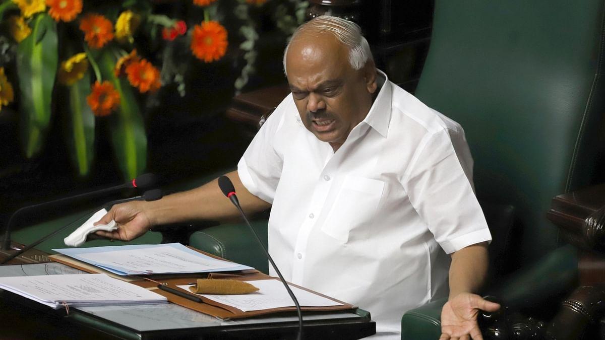 کرناٹک: 14 باغی ممبر اسمبلی نااہل قرار، انتخاب لڑنے پر بھی روک