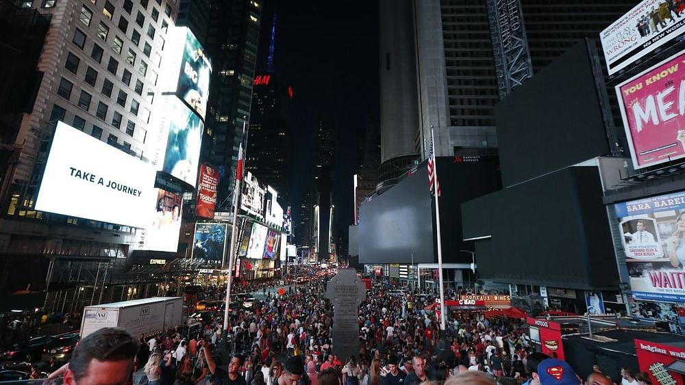 نیویارک: بجلی گل ہونے سے اندھیرا، ہزاروں لوگوں کی رات 'کالی'!