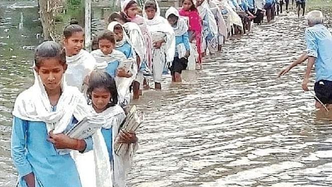 بہار میں سیلاب سے تباہی جاری، 100 سے زیادہ اموات،  77 لاکھ اَفراد متاثر