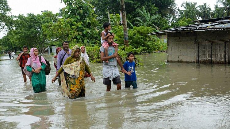 آدھے ہندوستان میں سیلاب کا خطرہ،  70 لاکھ لوگ متاثر، 45 کی ہو چکی ہے موت