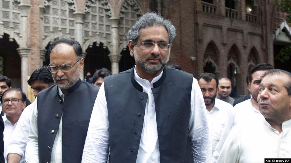 پاکستان کے سابق وزیر اعظم شاہد خاقان عباسی گرفتار