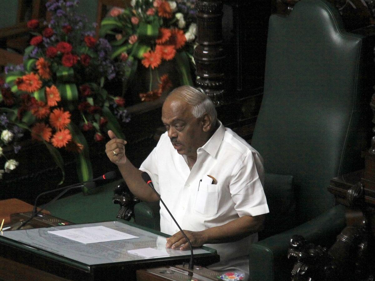 کونسل سیشن کے دوران اسمبلی اسپیکر کے آر رمیش