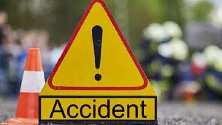 بارہ بنکی میں سڑک حادثہ، ٹریکٹر ٹرالی سوار 4 عقیدت مندوں کی موت، 30 زخمی