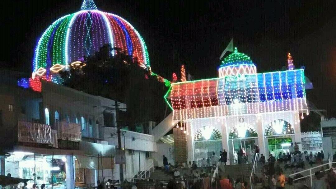 گلبرگہ: خواجہ بندہ نوازؒ کے عرس کا آغاز، جلوس صندل میں سینکڑوں عقیدتمندان کی شرکت