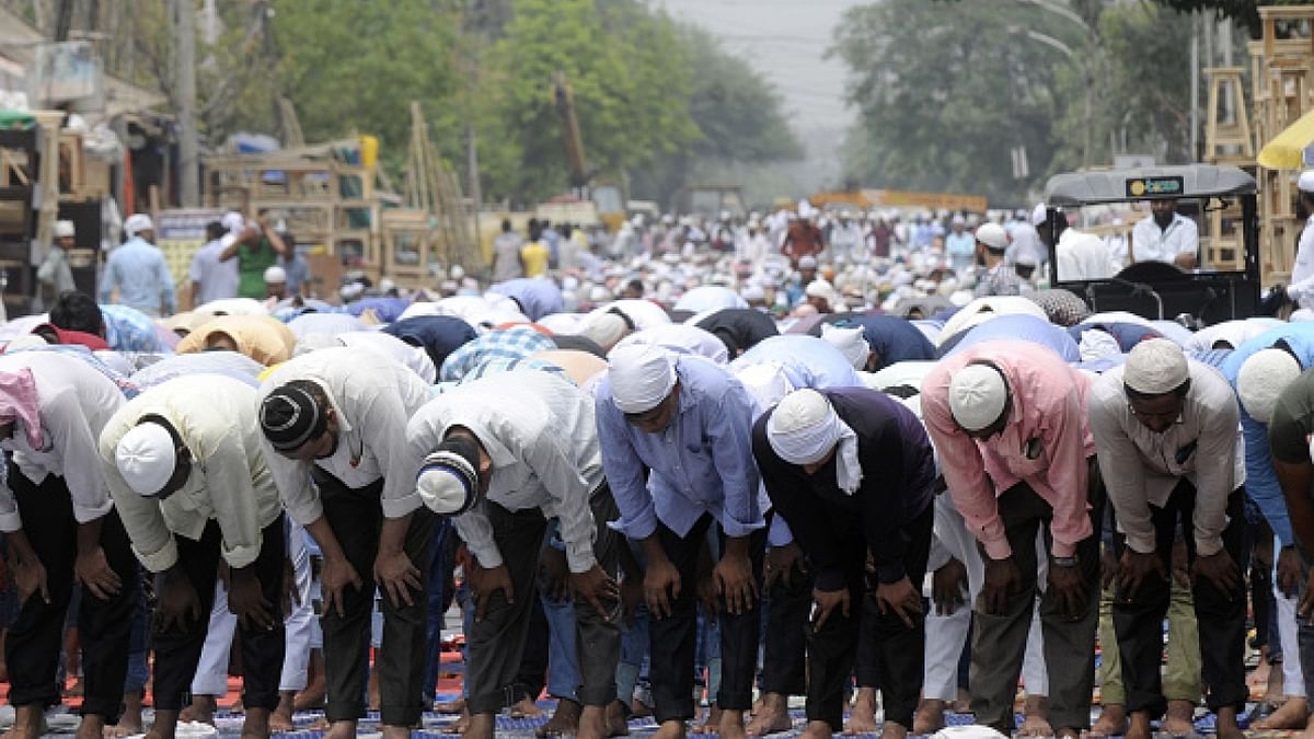 یوگی حکومت  میں اب سڑکوں پر نہیں ہوگی نماز، احکامات جاری
