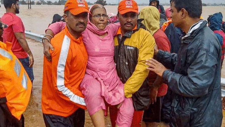 بارش سے 5 ریاستوں میں لوگوں کی زندگی محال، راہل گاندھی کا وائناڈ دورہ 11 اگست کو