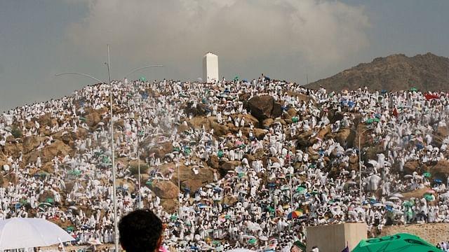 میدان عرفات میں رحمت باراں، حجاج کو بڑی راحت، آج رات مزدلفہ میں رہے گا  قیام