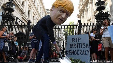 'بورس جانسن کا فیصلہ برطانوی جمہوریت پر حملہ'
