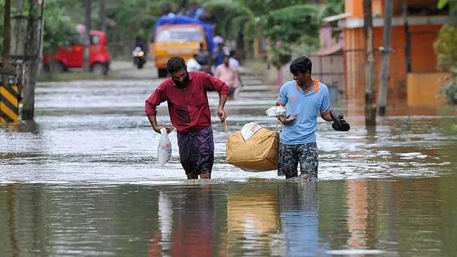 سیلاب سے ہلاک ہونے والوں کی تعداد 267 پہنچی، 44 لاپتہ