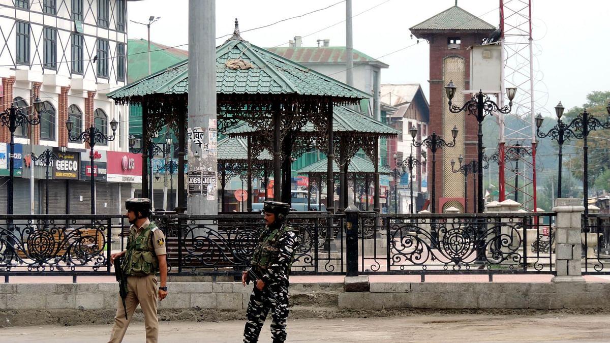 کشمیر میں مکمل بند کا 26واں دن، سری نگر کی سڑکیں پھر  سیل