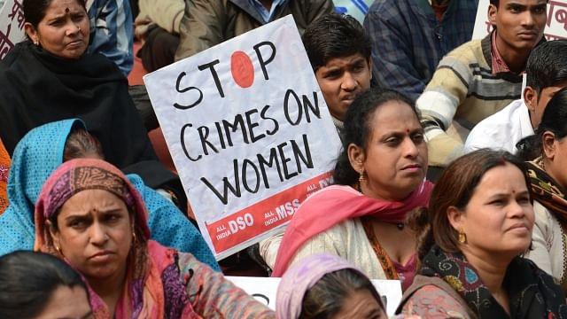 آر ایس ایس کے 'لیو-اِن' والے سروے کو ہندوستانی خواتین نے کیا خارج