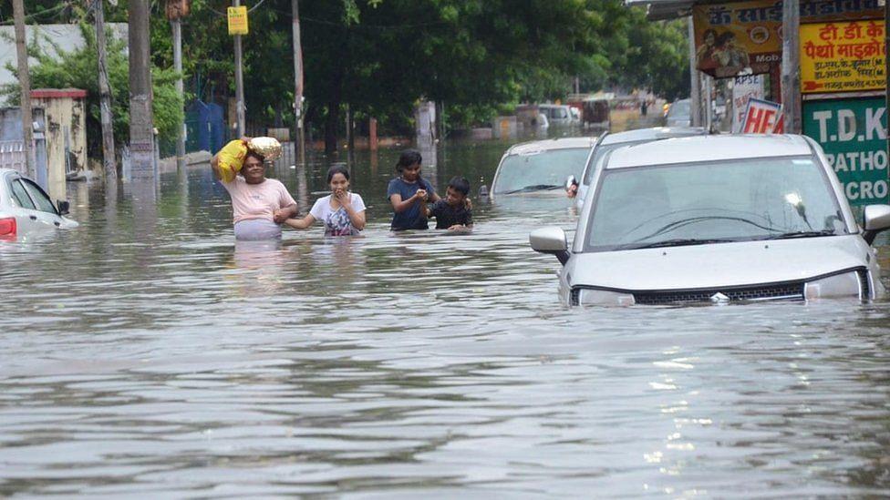 بہار میں سیلاب نے مچائی تباہی، 23 لوگوں کی موت
