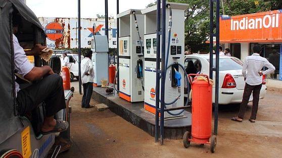 عوام کی کوئی فکر نہیں، پٹرول-ڈیزل کی قیمت میں لگاتار 13ویں دن اضافہ